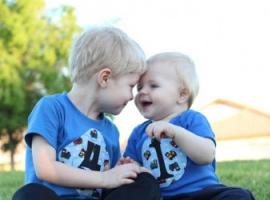Jak wychowywać dzieci w zbliżonym wieku: wskazówki dla rodziców