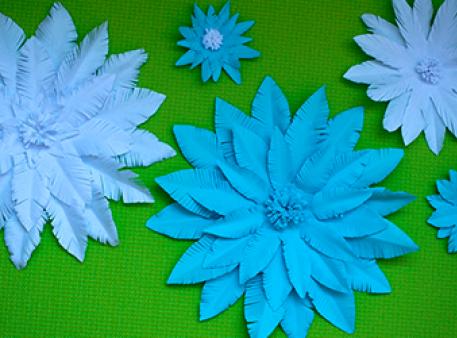 Stwórz papierowy kwiatek w ciągu zaledwie 5 minut