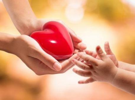 Sztuka dobroci: jak nauczyć dziecko dbania o innych