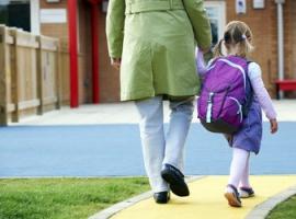 Dziecko idzie do nowej szkoły: jak je przygotować