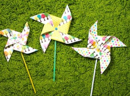 Papierowe wiatraczki, zrobione własnoręcznie