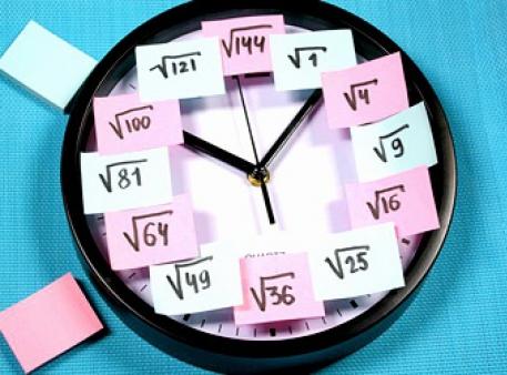 Zegar analogowy z przypomnieniem