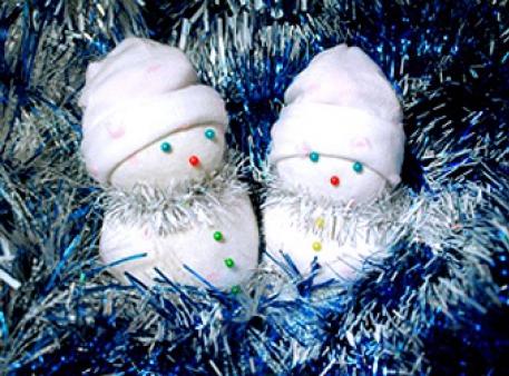 Bałwanki – sympatyczne zabawki pod choinkę