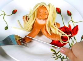 Kreatywnie przyrządzamy proste jedzenie: parówki-ośmiornice