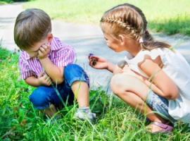 Czy warto zmuszać dziecko do przeprosin?