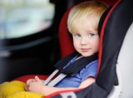 Jak zaplanować podróż samochodem z małym dzieckiem