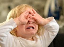 Okrucieństwo wobec dziecka szkodzi jego rozwojowi
