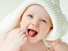 Język ciała dziecka: 11 gestów potrzebnych do komunikacji