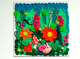 Letnie panneau: rośliny i owady z plasteliny