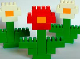 Przekształcamy duże klocki Lego na kwiaty