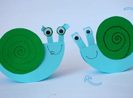 Wesołe ślimaczki – najprostsze zabawki dla malucha