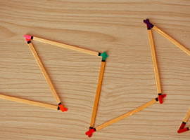 Domino z pałeczek – rozwój uwagi dziecka