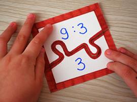 Puzzle geometryczne z liniami prostymi, krzywymi oraz łamanymi