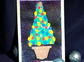Rysujemy choinkę używając farb paluszkowych